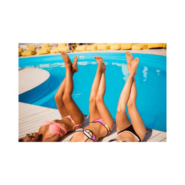 glatke noge na bazenu